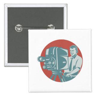 Película del cameraman con la cámara de televisión pins
