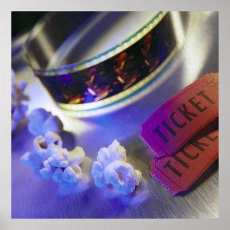 Película, palomitas y boletos del cine póster