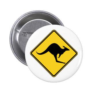 peligro amonestador del canguro en el día de Austr Pin Redondo De 2 Pulgadas