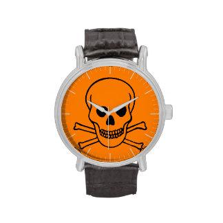 Peligro cráneo y bandera pirata relojes de pulsera