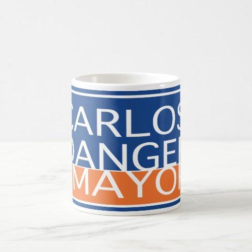 Peligro de Carlos para el alcalde - taza de café
