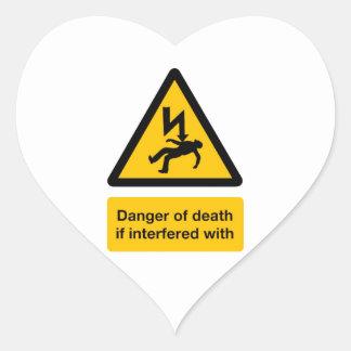 Peligro de la muerte pegatina en forma de corazón
