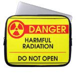 Peligro de la radiación dañina funda ordendadores