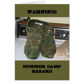Peligro del campamento de verano tarjeton