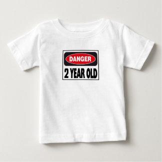 Peligro dos camisetas años playera