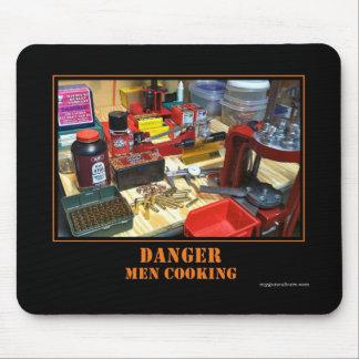 ¡Peligro! ¡El cocinar de los hombres! Mousepad Tapete De Ratones