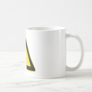 Peligro eléctrico taza clásica