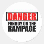 PELIGRO: Fanboy en el alboroto Pegatina Redonda