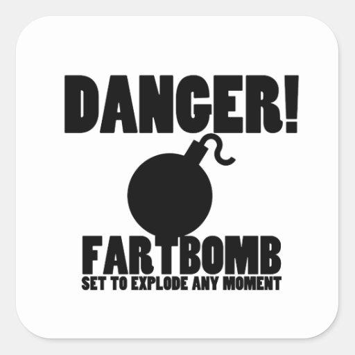 ¡Peligro!  Fartbomb a estallar Pegatinas Cuadradases