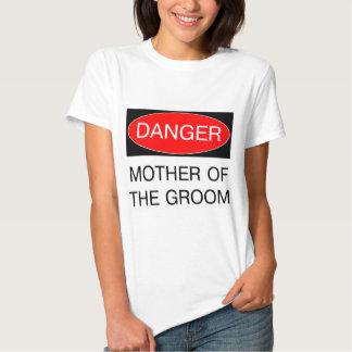 Peligro - madre de la camiseta divertida del boda playera