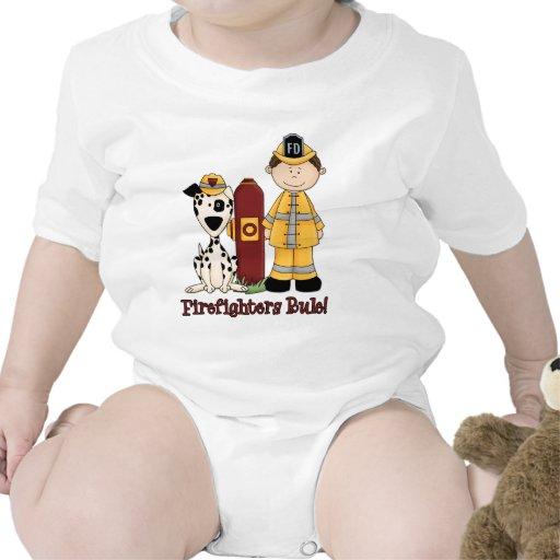 Pelo oscuro de la regla de los bomberos traje de bebé