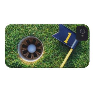 pelota de golf en agujero Case-Mate iPhone 4 coberturas