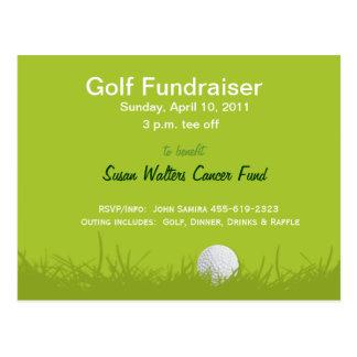Pelota de golf en camiseta tarjeta postal