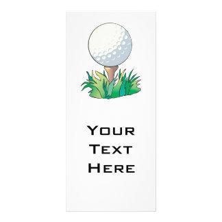 pelota de golf que se sienta en tee de golf tarjetas publicitarias