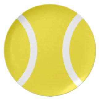 Pelota de tenis plato