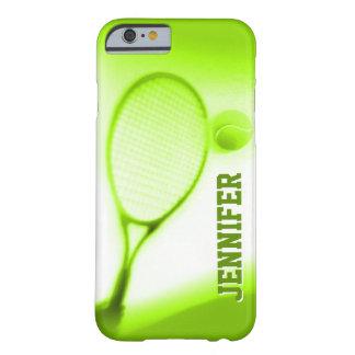Pelota de tenis y caja verde del iPhone 6 de los