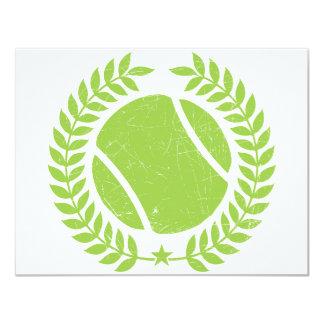 """Pelota de tenis y diseño del vintage del equipo invitación 4.25"""" x 5.5"""""""