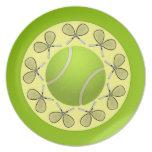 Pelotas de tenis y estafas plato de comida