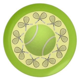 Pelotas de tenis y estafas plato para fiesta