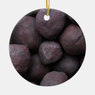 Pelotillas del mineral de hierro adorno navideño redondo de cerámica