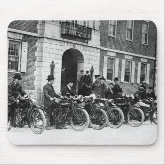 Pelotón de la motocicleta, 1900s tempranos tapete de raton