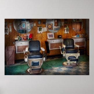 Peluquero - Frenchtown, NJ - dos sillas de peluque Póster