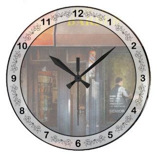 Peluquero - NY - Greenwich Village - barra del Reloj Redondo Grande