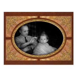 Peluquero - primer corte de pelo tarjetas postales