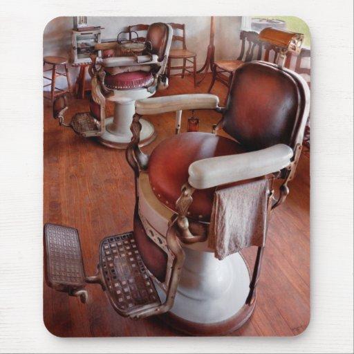 Peluquero - tenga por favor un asiento alfombrillas de ratón