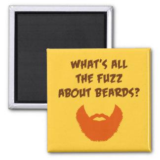 Pelusa sobre barbas imán cuadrado