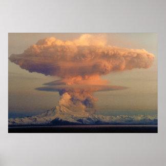Penacho del hongo atómico de la erupción de la póster