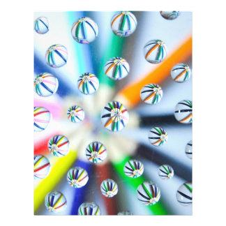 """Pencils-in-water-drops870.jpg Folleto 8.5"""" X 11"""""""