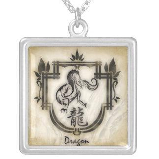 Pendentif zodiaque chinois Dragon Square Pendant Necklace