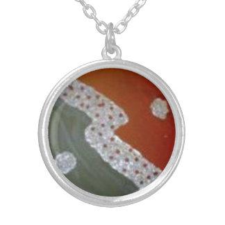 pendentive collar round pendant necklace