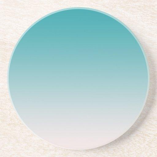 Pendiente azul del color de la aguamarina posavasos para bebidas