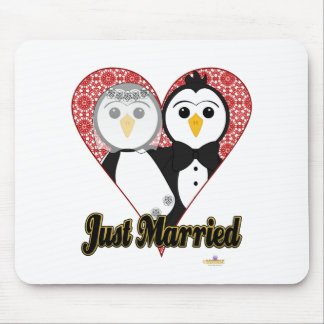 Penguins Wedding Lace Heart Just Married Mouse Pad