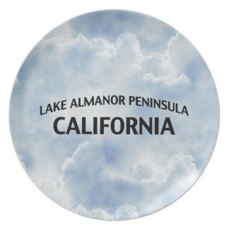 Península California de Almanor del lago Platos