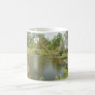 Penique del lago spring taza básica blanca