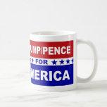 Peniques del triunfo para blanco de América y azul Taza Clásica