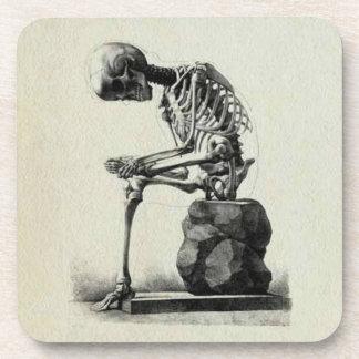 Pensador del esqueleto del vintage posavasos de bebidas
