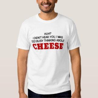 Pensamiento demasiado ocupado en el queso remera