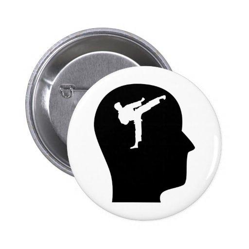 Pensamiento en karate pin