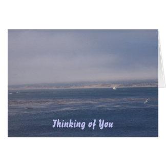Pensamiento en usted - faltándole carde tarjeta de felicitación