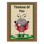 Pensamiento en usted postal de la mariquita