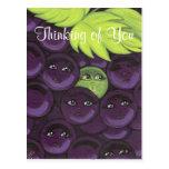 Pensamiento en usted postal de las uvas