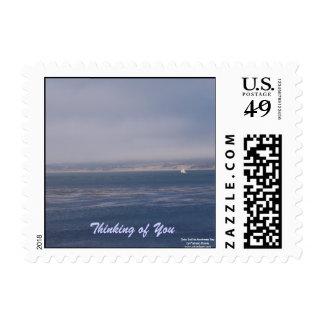 Pensamiento en usted sello de la postal