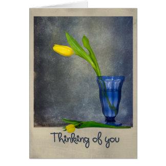 Pensamiento en usted tulipanes tarjeta de felicitación