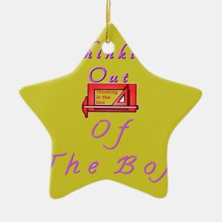 Pensamiento fuera de la caja adorno navideño de cerámica en forma de estrella