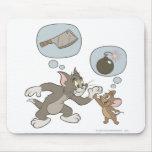 Pensamientos del mal de Tom y Jerry Tapetes De Ratón