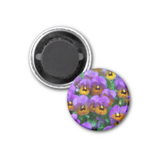 Pensamientos púrpuras bonitos en un campo imán de frigorifico